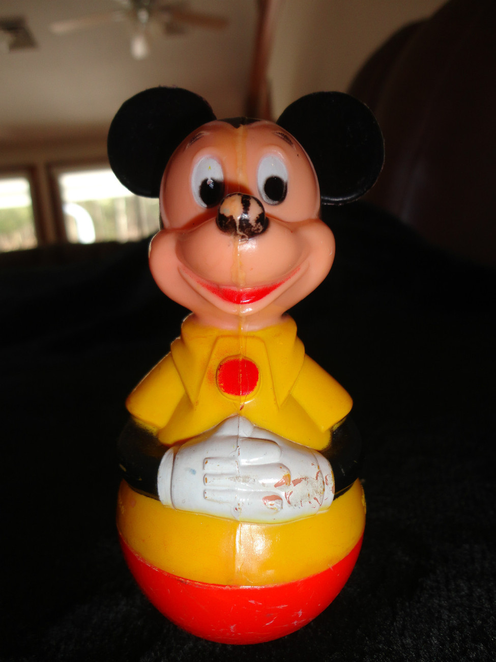 VINTAGE 1975 MICKEY MOUSE WOBBLE TOY APPROX  4 1/2 Inches Tall