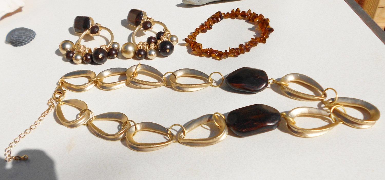 Vintage jewelry set, vintage necklace, vintage earrings and vintage bracelet in