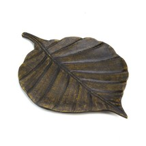 Avery Leaf Decorative Tray - $830,79 MXN