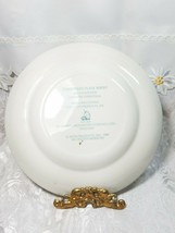 Vintage 1980 Avon Plate Series 8th Edition Enoch Wedgwood Country Christmas image 2