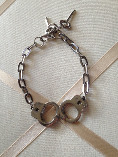 Primary image for Vintage Silver Tone Metal Miniature Hand Cuffs And Keys Fashion Chain Bracelet