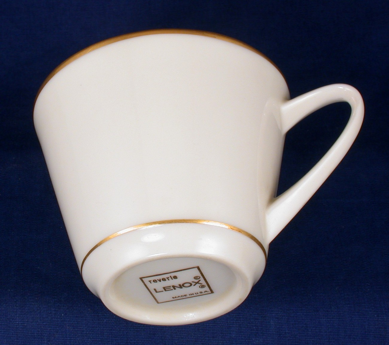 Lenox China Orphan Cup Reverie w Gold Trim Never Used