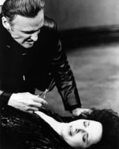Dennis Hopper Terrorises Isabella Rossellini Blue Velvet 8x10 Photo - $7.99
