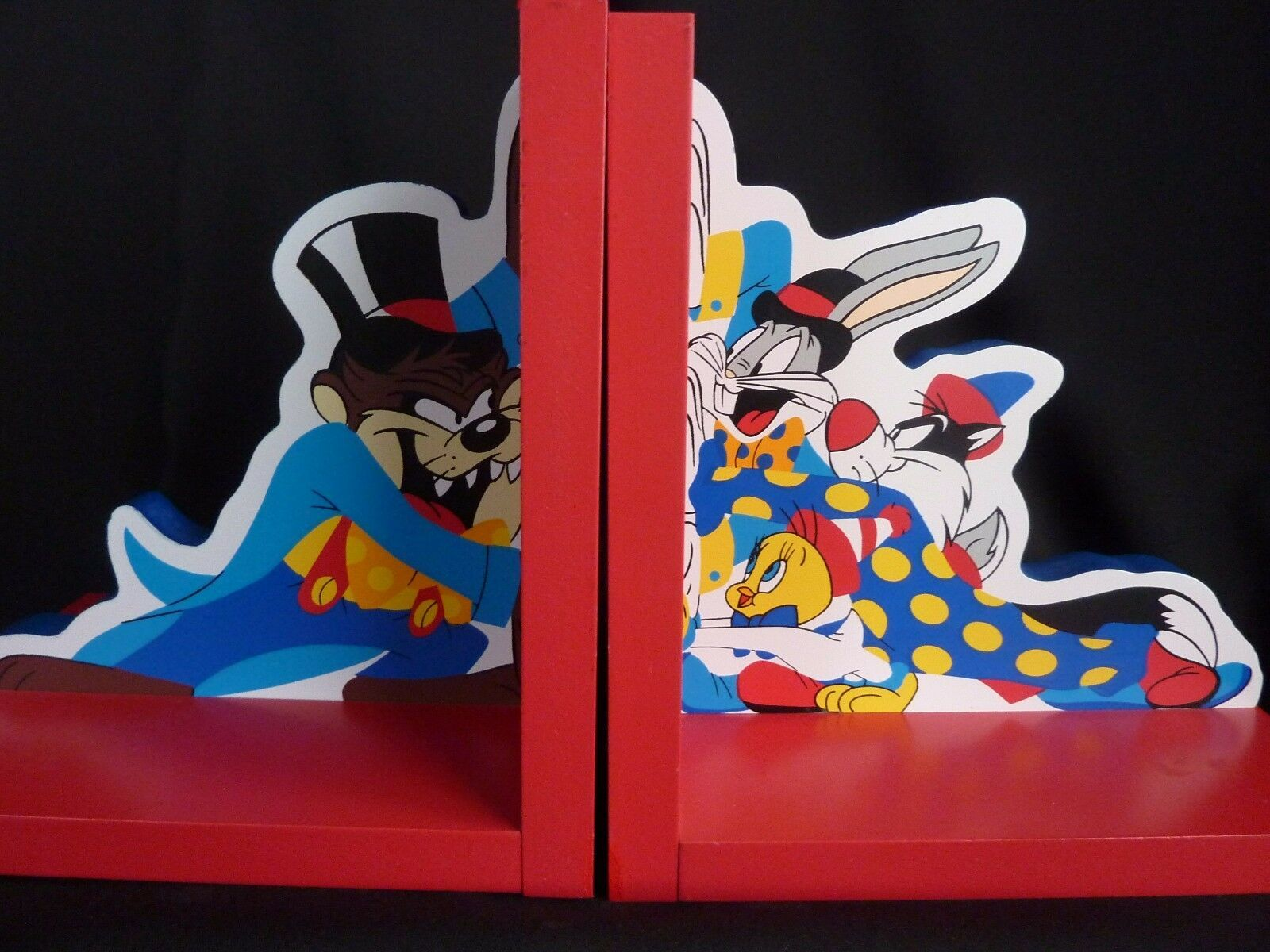 Primary image for Looney Tunes Wooden bookends Bugs Taz Tweety Sylvester Warner Brothers