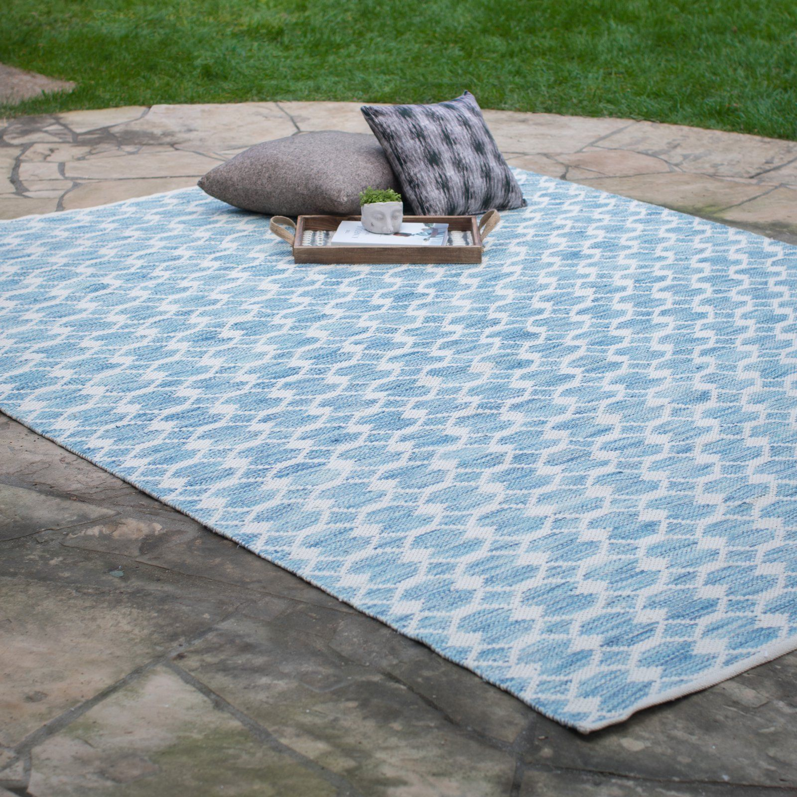 Outdoor Pool Area Rugs: Hand Woven Blue Medallion Outdoor Area Rug Pool Patio 3