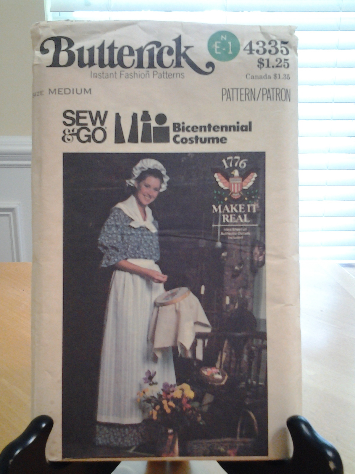 Butterick 4335 vintage Bicentennial Costume Med 12-14 Dress, Apron Hat  Scarf