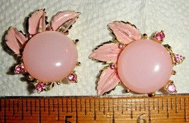 VTG 30s PINK MOONGLOW FLORAL PIN CLIP RHINESTONE EARRINGS THERMOSET BRAC... - $237.99