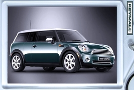 KEY CHAIN GREEN WHITE MINI COOPER CLUBMAN NEW KEYTAG LLAVERO PORTE CLE БРЕЛ - $9.95