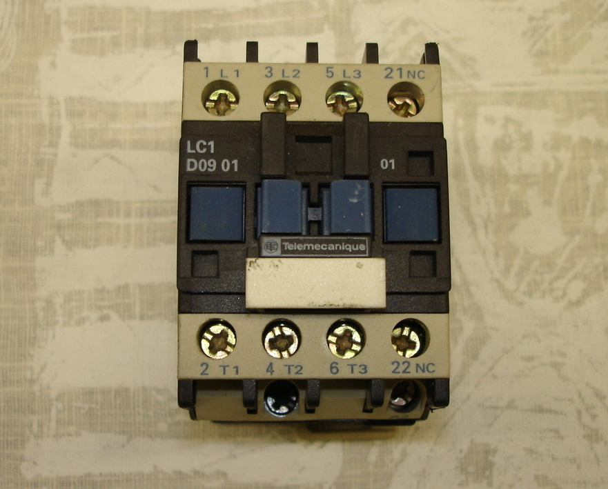 Telemecanique Contactor LC1 D09 01 M7 and 50 similar items