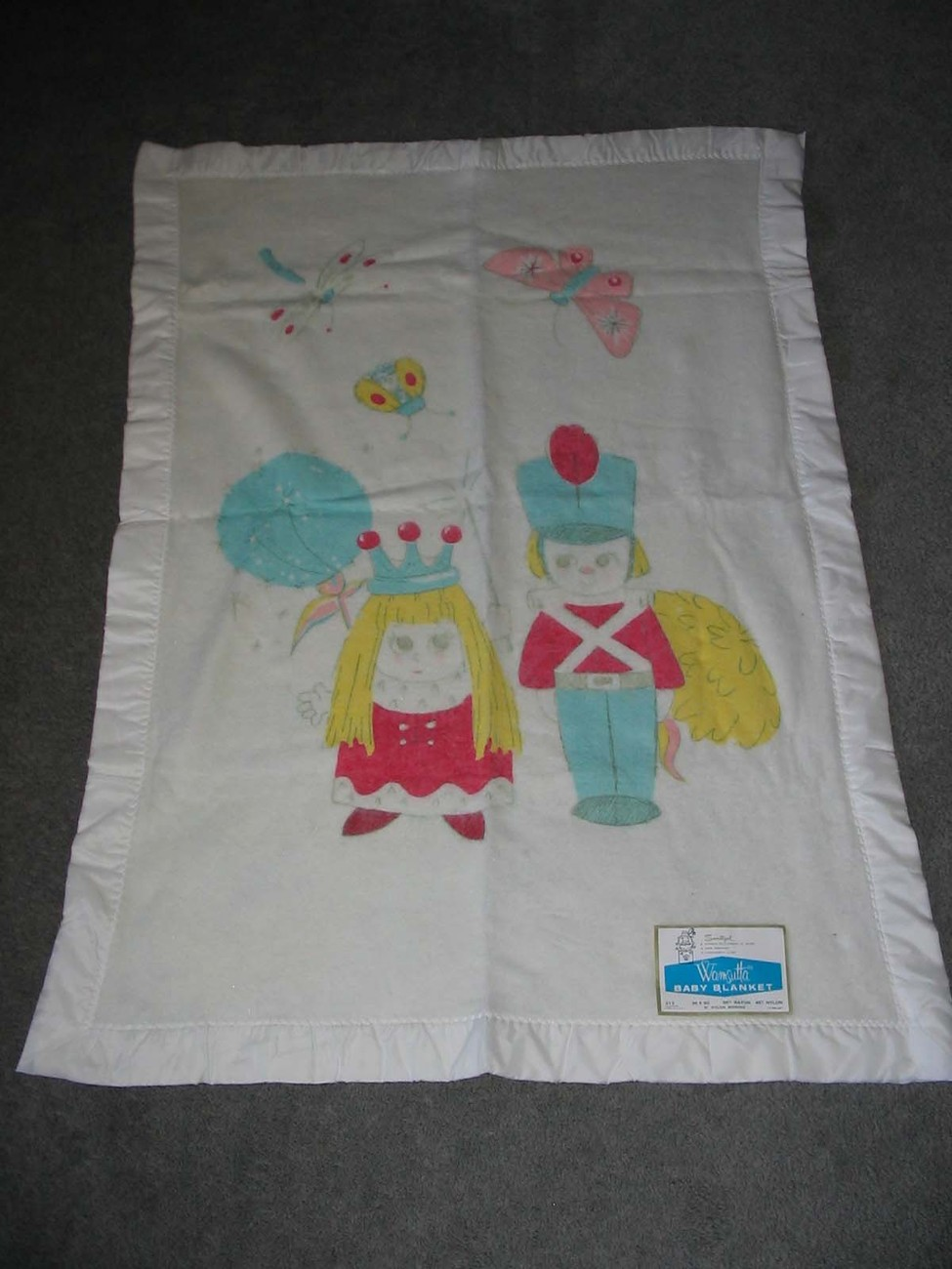 Vintage Wamsutta Guard & Queen Baby Blanket Royal Family