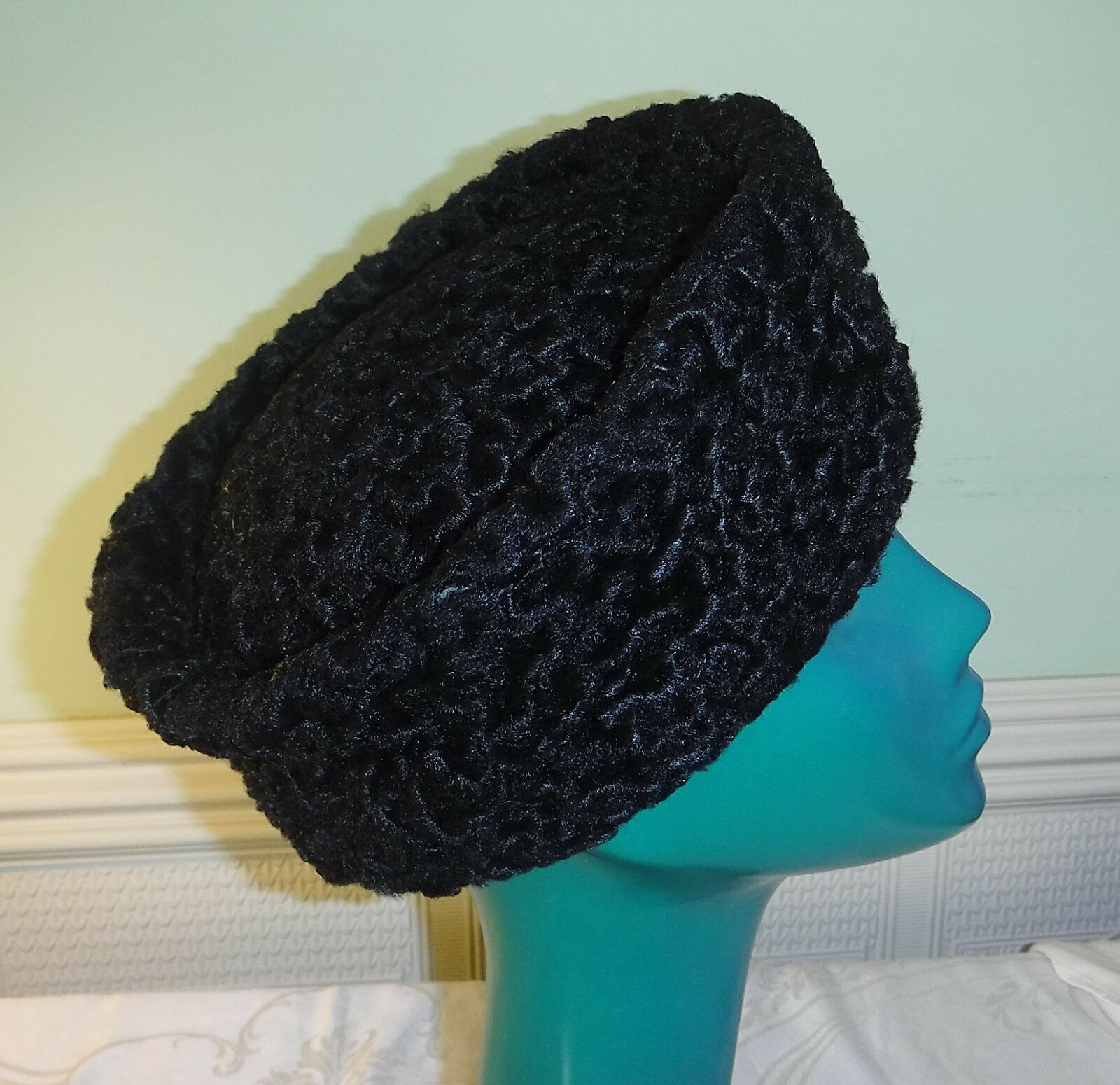 CHIC GRAHAM SMITH AT KANGOL FAUX ASTRACHAN DEEP PILL BOX COSSACK HAT BLACK COSY