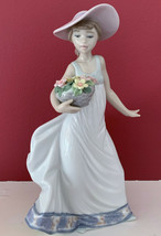 "NEW Lladro Retired ""Carefree"" 5790 Girl with Hat & Basket of Flowers Spa... - $158.39"