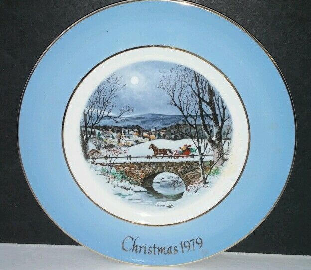 Avon Christmas Plate 1979 Dashing Through The Snow by Enoch Wedgwood