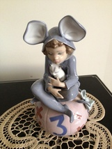 Lladro ~ Loving Mouse #5883  retired ~ Mint Condition ~ 1 of a set of 3 - $365.00