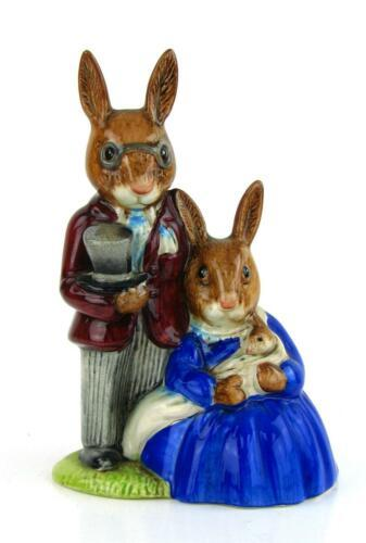 Primary image for Royal Doulton England BUNNYKINS Figurine Family Photograph 1972 Version