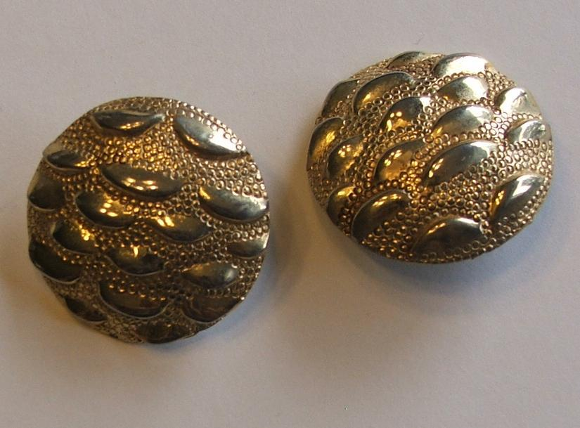 Gold nugget earrings2