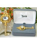 Vintage Tacoa Skeleton Key Pin Brooch Pendant Figural In Box - $23.95