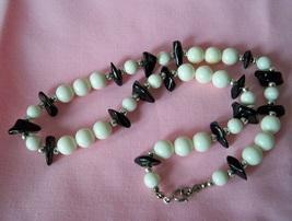 Vintage beaded necklace whiteblk2 thumb200