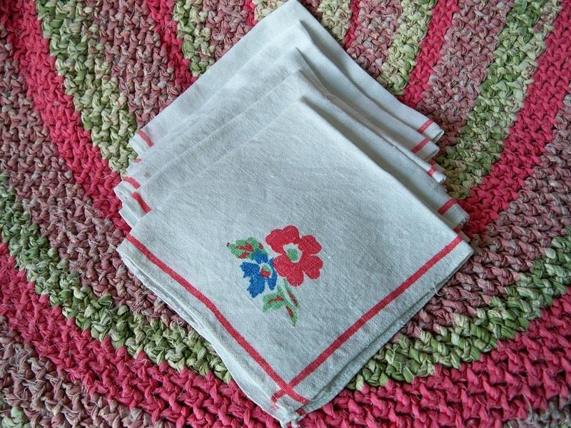 Vintage floral linen napkins1