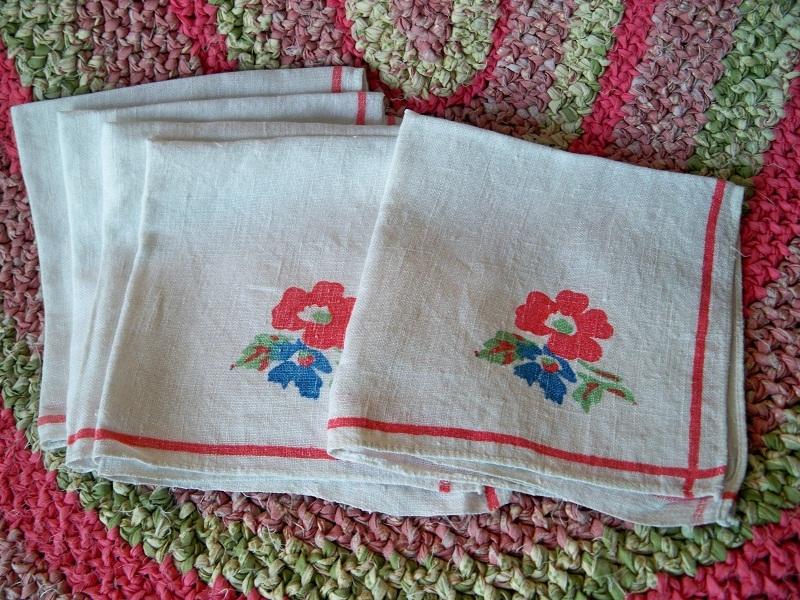 SALE! Vintage 1940s - 1950s Floral Linen Napkins Pride Of Flanders