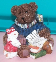 Bear  Reading To Pet Collectable - $10.00