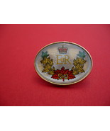 Queen Elizabeth II ER Canada Maple Leafs Souvenir Lapel Pin - $6.99