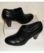 CLARKS Bendables Women's Black Leather Ankle Boots Bootie Shoes 9.5 M NE... - $30.00