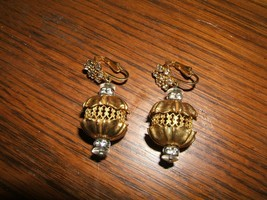 Dramatic Vintage Goldtone Rhinestone Rounded Dangle Chip Earrings - $8.42