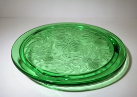 Vintage Jeanette Green Daisy Glass Cake Plate - $11.00