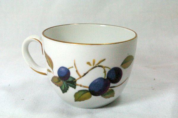 Royal Worcester Evesham Gold Flat Cup