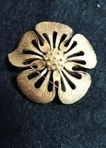 Vintage Trifari Goldtone Flower Brooch Signed Costume Jewelry - $19.34