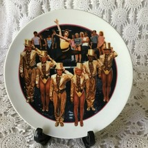 Avon Images of Hollywood A Chorus Porcelain Collectors Plate 1985 - $14.54