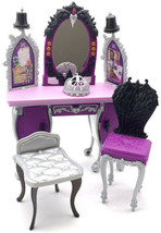 Ever After High Raven Queen Destiny Vanity With 2 Chairs And Crown - $21.29