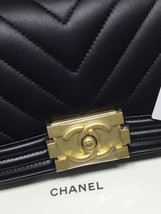 NWT Auth Chanel 2019 Chevron Quilted Leather Black Small Boy Flap Bag Matte GHW image 4