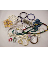 Vintage to Now Jewelry 23 Pieces NO Junk De Stash (Lot #5)  - $15.00