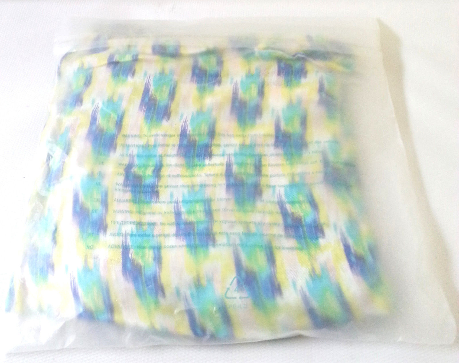 "GENUINE STELLA & DOT Union Square Scarf PASTEL IKAT Viscose 38""x70"" Packaged"
