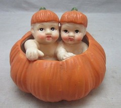Babies in a pumpkin Halloween, Fall decor figurine - €11,13 EUR