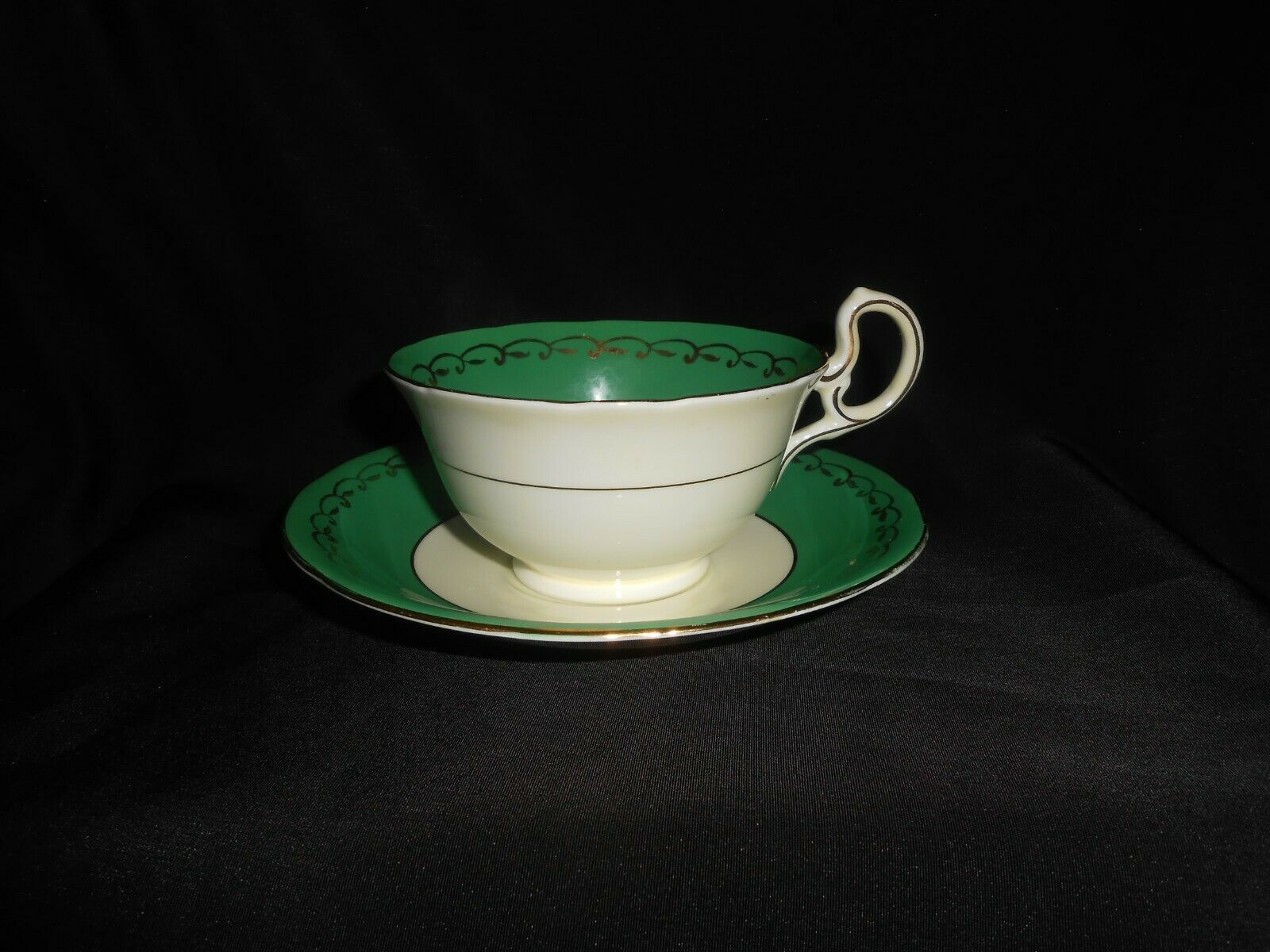 Aynsley Teacup and Saucer Green Gold Open Roses Vintage Floral Tea Cup & Saucer image 3
