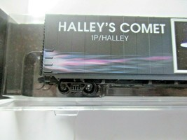 Micro-Trains # 10200842 Halley's Comet 60' Boxcar with Light N-Scale image 2