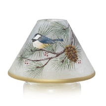 Yankee Candle Winter Birds Black Capped Chickadee Crackle Glass Candle S... - $33.50