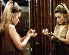 Sharon Tate 16X20 Canvas Giclee Valley Of The Dolls - $69.99