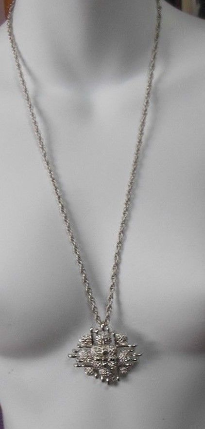 Vintage Signed Monet Silver-tone Pendant Chain Link Necklace