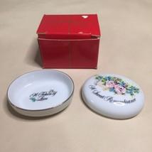 "Porcelain Trinket Box ""A Sweet Remembrance"" Rimmed In 22K Gold New - $6.92"
