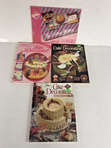 Lot of 4 Wilton Books Cake Decorating Yearbook 1988 1989 1990 Bonus Begi... - $9.90