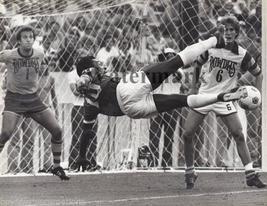 Pele BPS Vintage 8X10 BW Soccer Memorabilia Photo - $6.99