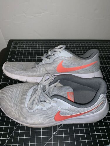 Nike 818384-002 Girl's Tanjun Gray White Orange Swoosh Sneaker Size 7Y