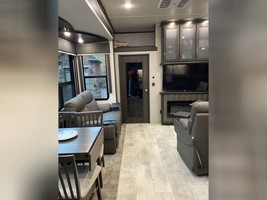 2021 GRAND DESIGN MOMENTUM M-CLASS 395M FOR SALE IN Effingham, IL 62401 image 11