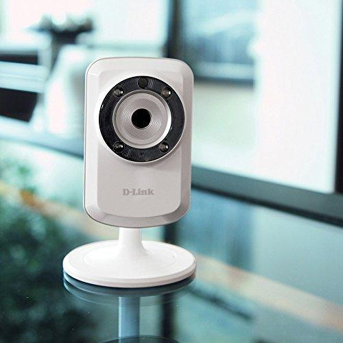 D-Link DCS-933L Day & Night Wi-Fi Security Camera