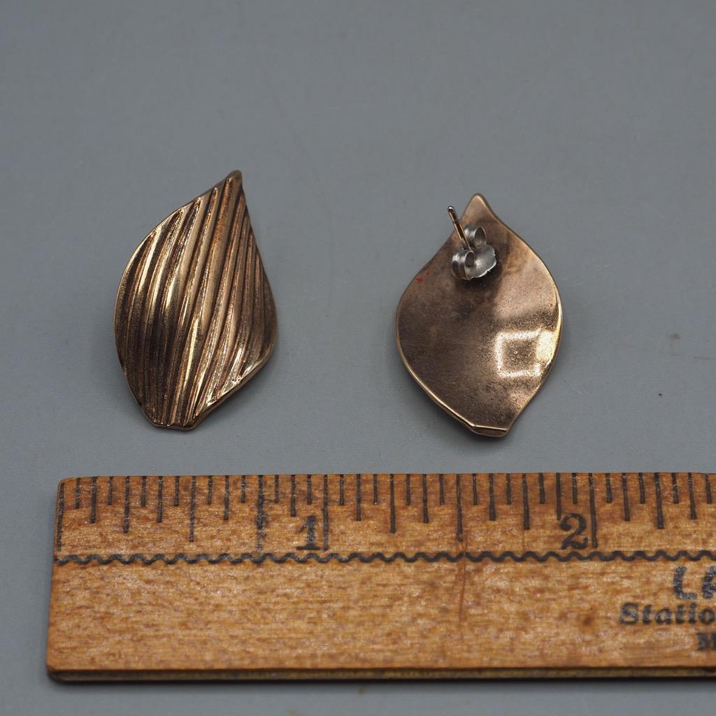 Vintage Goldtone Post Earrings 1980's