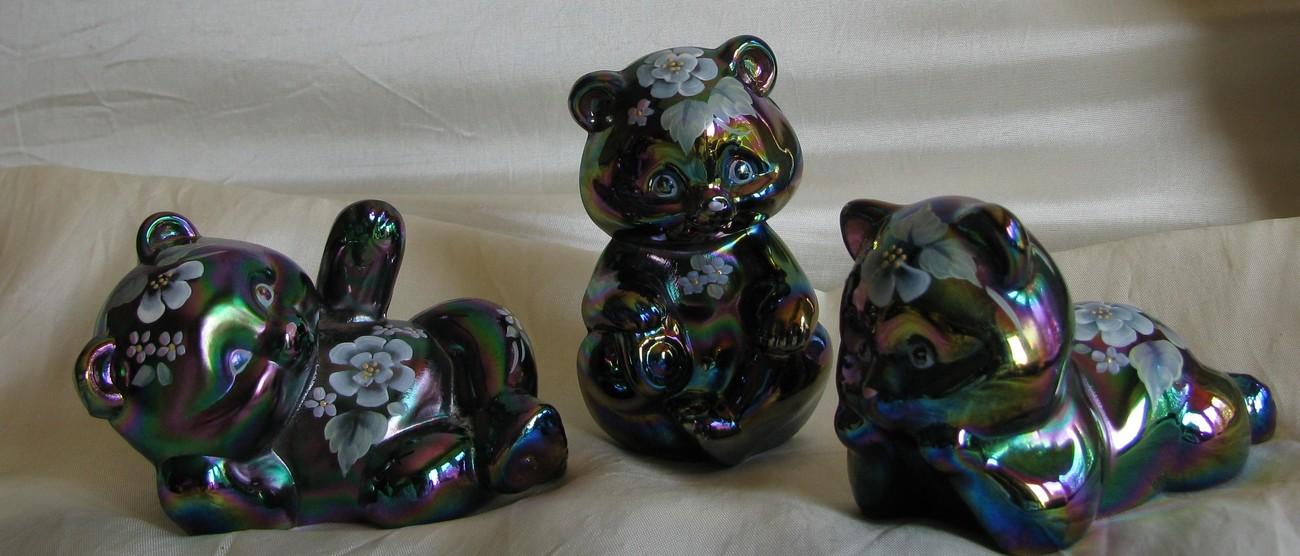 Fenton Reclining Bear [#5233]-1998 Floral on Plum Carnival